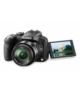 PANASONIC LUMIX DMC-FZ2000 + COPERCHIO PANASONIC E SECONDA BATTERIA COME REGALO
